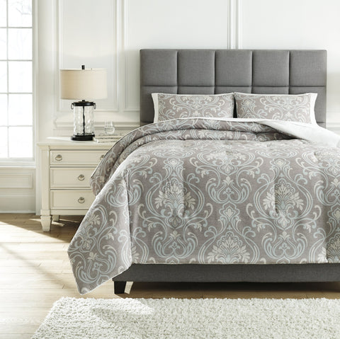 Noel Signature Design by Ashley Comforter Set King image