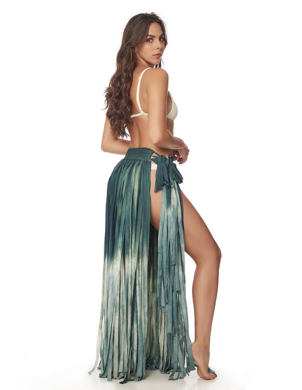 Flow Skirt Dusk Blue Pastel. Hand-Dyed Beach Skirt With Hand Woven Macramé In Dusk Blue Pastel. Entreaguas