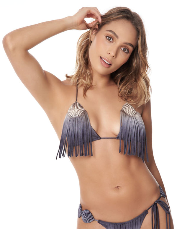 Move Top Sandy Gray Storm. Hand-Dyed Triangular Bikini Top With Hand Woven Macramé In Sandy Gray Storm. Entreaguas