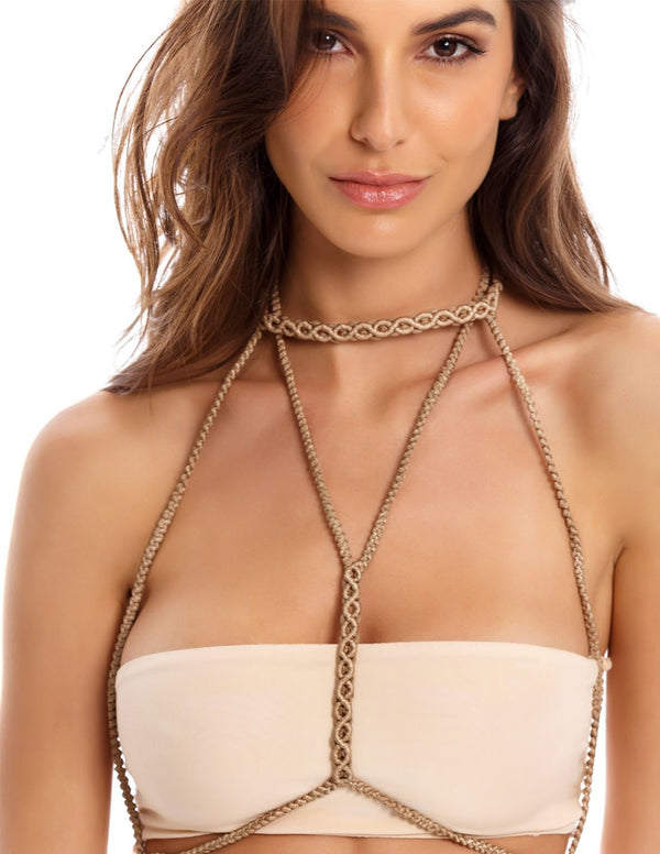 Terre Lux Body Chain Sand. Body Chain In Sand. Entreaguas