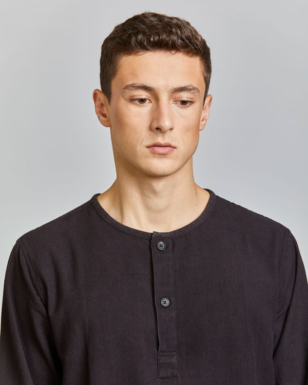 Henry Henley Popover in Black