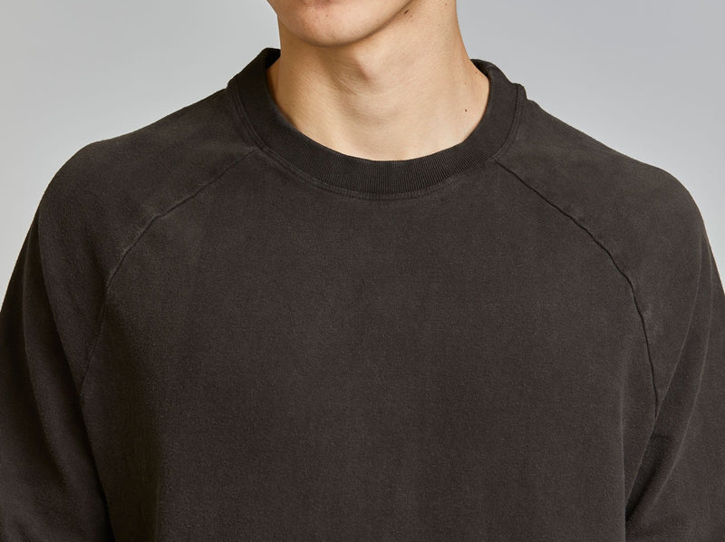 Raglan Sweatshirt in Black