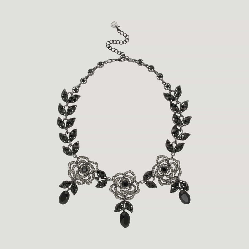 Three Roses with Drops Leaves Chain Necklace