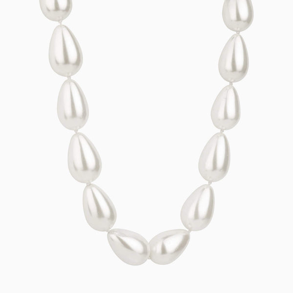Metallic Oval Pearls Necklace