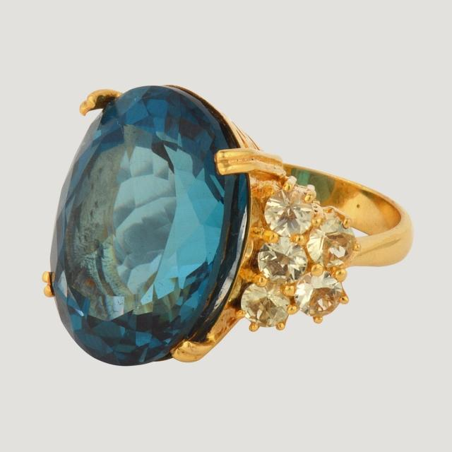 9 K Pink Gold Ring With Blue Topaz (33.18 K) and Lemon Quartz (1.2 K)