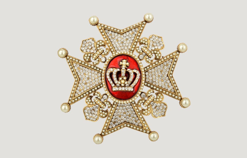 Faux Pearls Medal With Crown Brooch