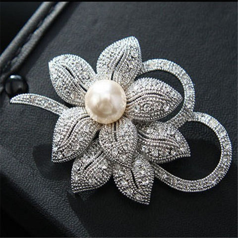 Luxorious Pearl Brooch