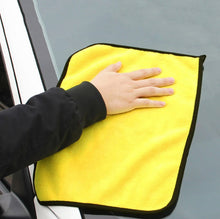 Load image into Gallery viewer, CLEANOCAR Microfiber Car Towel