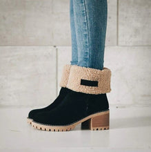 Load image into Gallery viewer, NORWY - Warm suede ankle boots