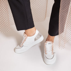 "Sneakers ""White & soft Pink"" à lacets Vanessa WU"
