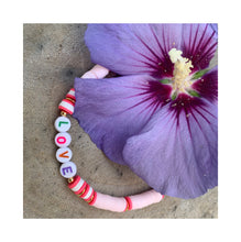 "Charger l'image dans la galerie, Bracelet ""Little Words"" reste 1x MOM en corail"