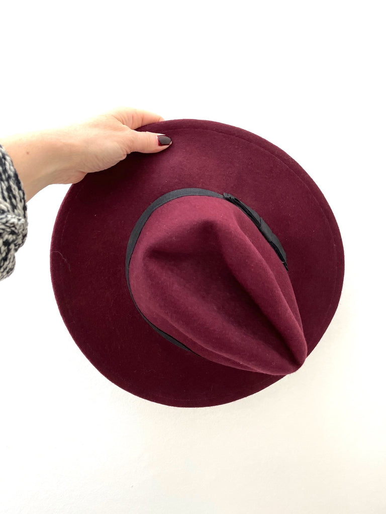 Asos bordeaux hat