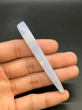 Load image into Gallery viewer, Rose Quartz Facial Massage Roller