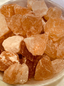 Pink Himalayan Salt Rough - 100 grams (9 to 15 Pieces)