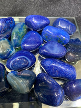 Load image into Gallery viewer, Agate Blue (Dyed) Tumbled - 4 Stones