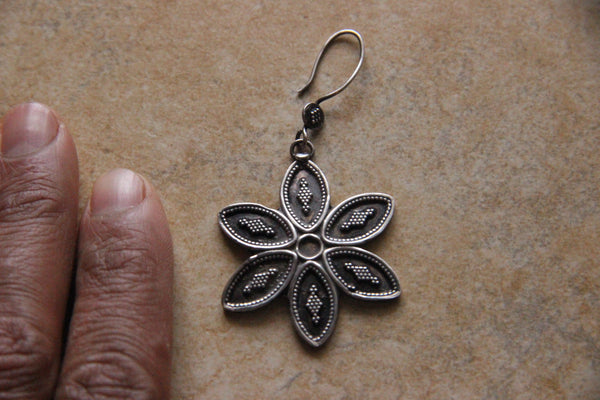 Dream Flowers - 925 Sterling Silver Tribal Earrings Jewelry oxidized to Rustic Vintage Steely Grey - Ethnic-Tara