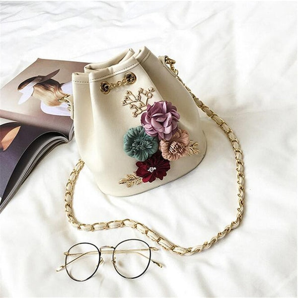 2020 Handmade Flowers Bucket Bags Mini Shoulder Bags With Chain Drawstring Small Cross Body Bags Pearl Bags Leaves Decals - Creative Dreamscape