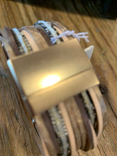 Load image into Gallery viewer, Saachi Magnetic Cuff