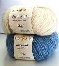 Load image into Gallery viewer, Luxurious Rowan Alpaca Wrap