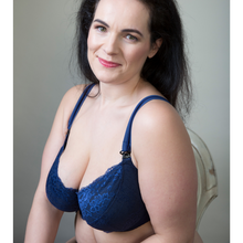 Load image into Gallery viewer, bmue maternity bra with soft cotton lining, underwired but unpadded maternity clothing