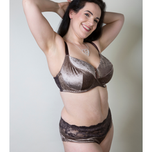 Load image into Gallery viewer, bbw lingerie set in velvet, nude brown velvet