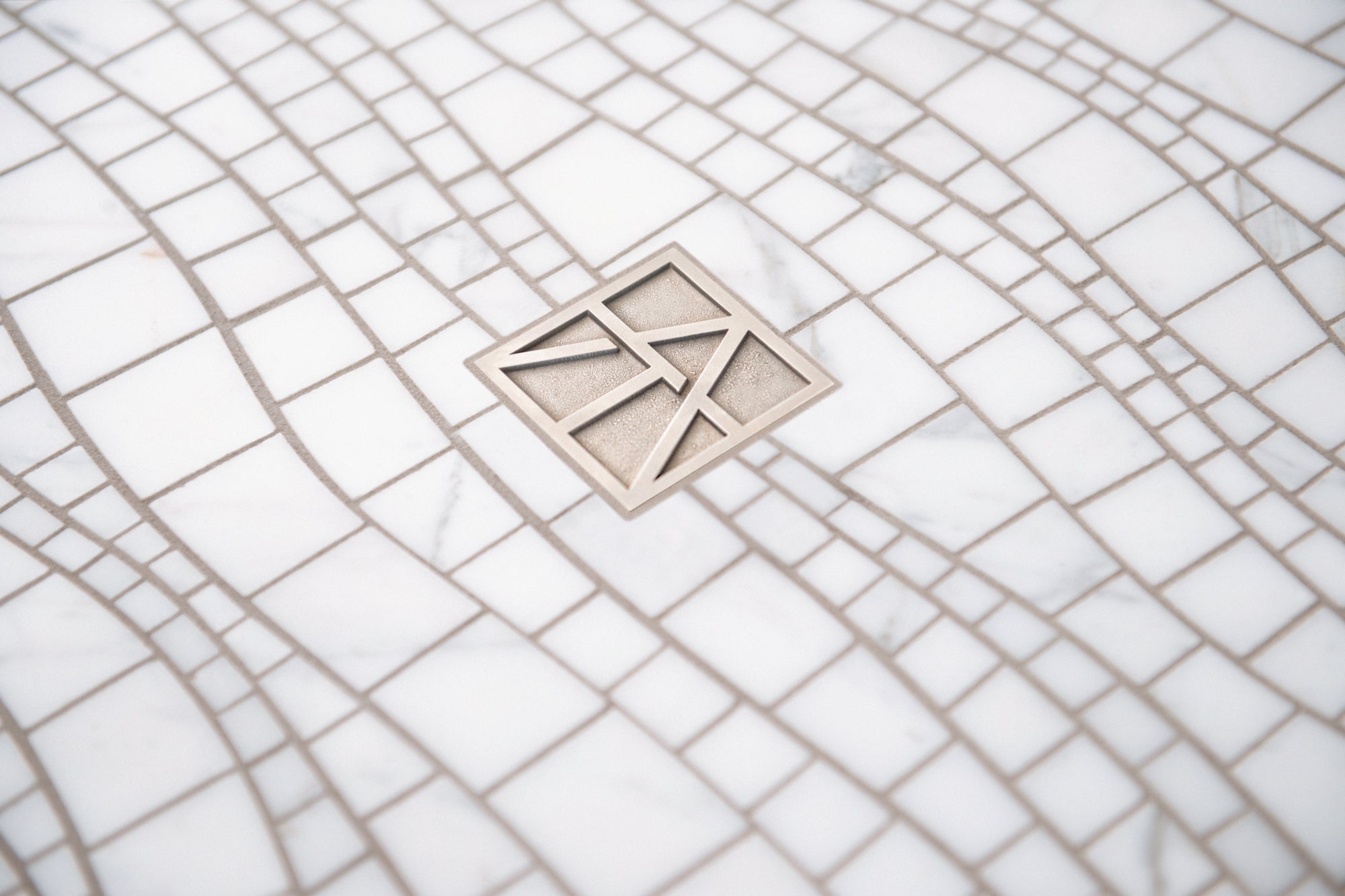 Sinuous Calacatta Gold Marble Mosaic beauty shot product photo