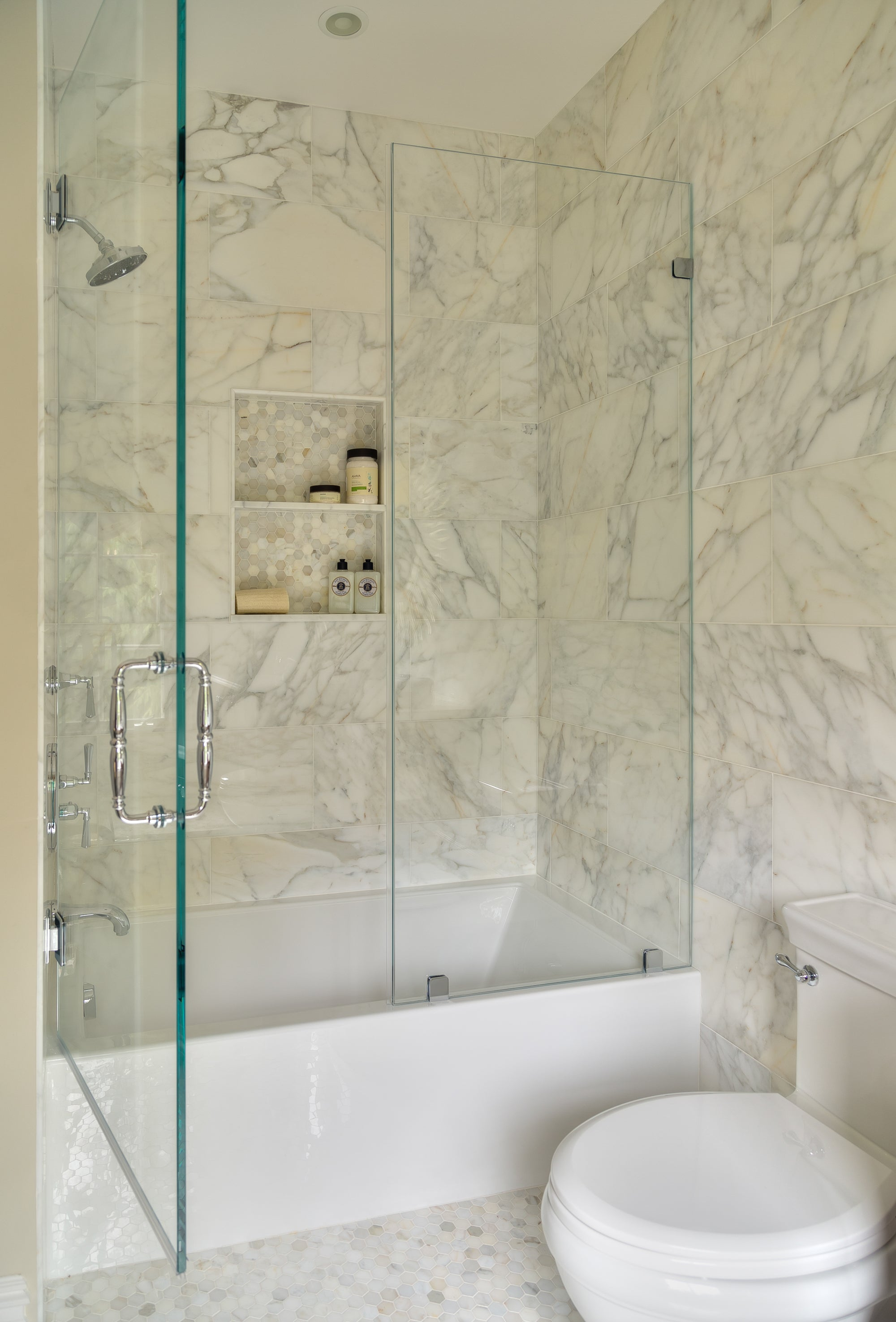 Spring White Marble Mosaic  Polished Stone Hexagon 3.0cm installation photo