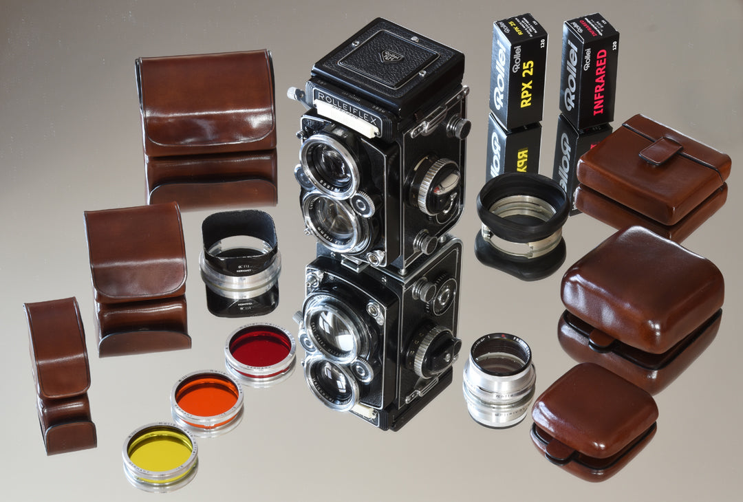 Rolleiflex: a camera, thousands accessories and a new solution for carriage.