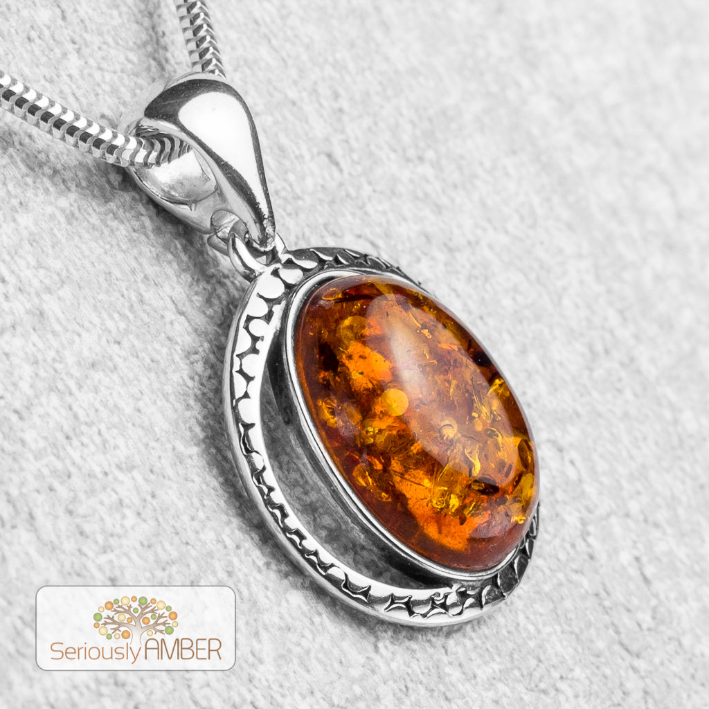 Royal chiny cognac natural amber pendant unique high quality amber flat round shape amber pendant with silver untreated amber small charm