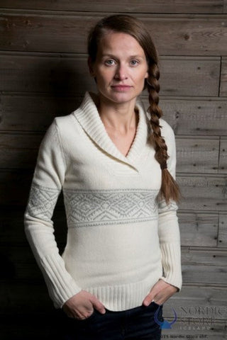 Laufey Sweater White