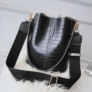 black crosbody bag