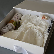 Load image into Gallery viewer, Personalised Gift Box - 2 Sizes