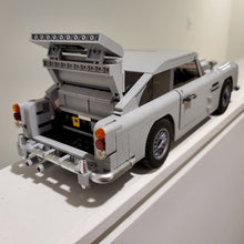 Load image into Gallery viewer, A Man's Past, Present and Future 007 Aston Martin DB5 Model Car