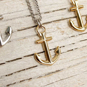 Nautical anchor necklace from Swedish Maris Sal. Marint ankarhalsband från svenska Maris Sal.