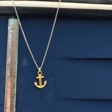 Load image into Gallery viewer, Nautical anchor necklace from Swedish Maris Sal. Marint ankarhalsband från svenska Maris Sal.
