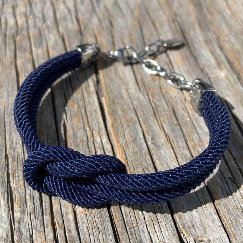 Waterproof nautical bracelet from Swedish Maris Sal. Marint armband från svenska Maris Sal.