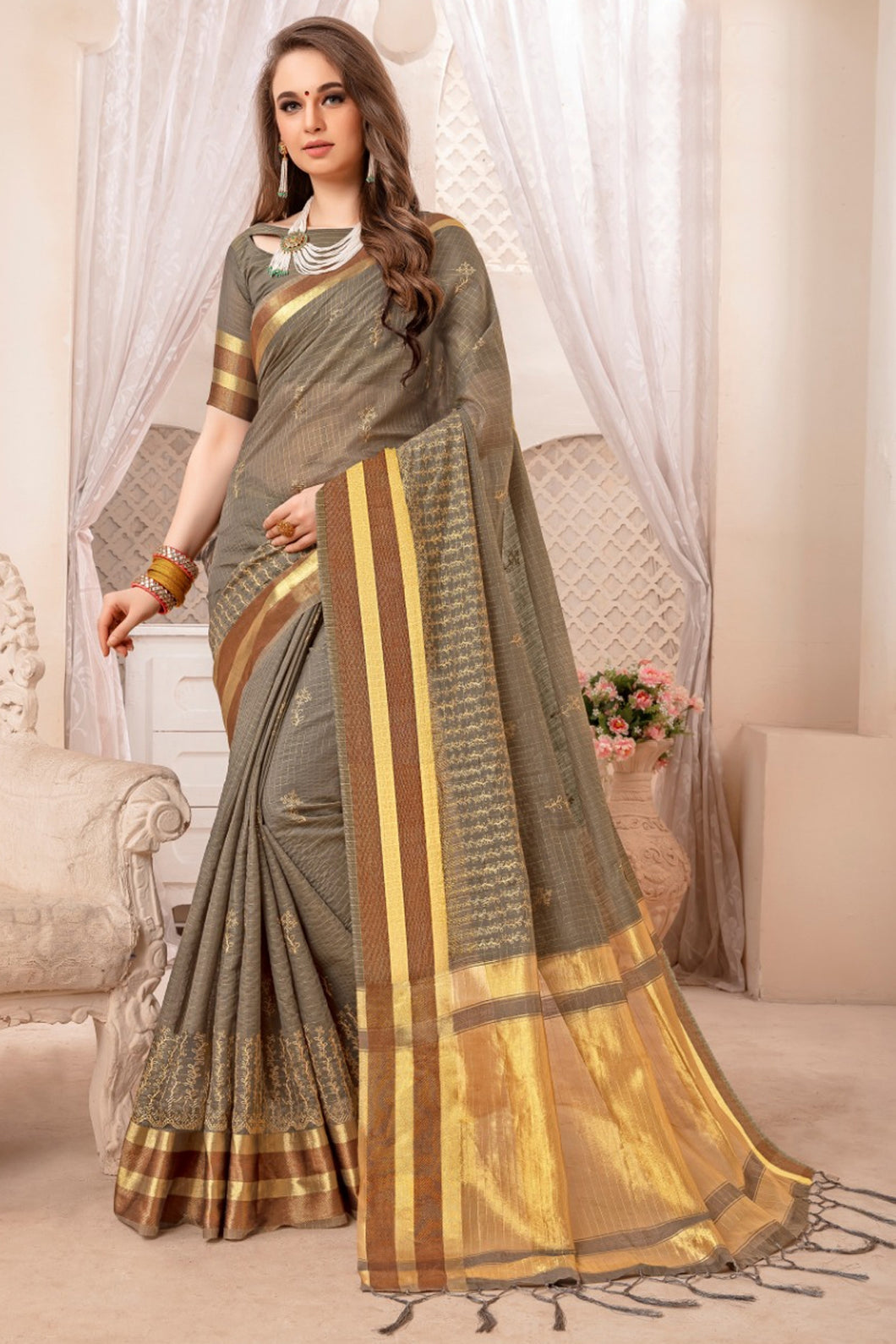 Bhelpuri Dark Grey Bengal Patta Woven Saree with Blouse Piece