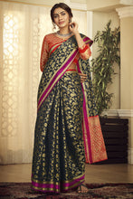 Load image into Gallery viewer, Bhelpuri Handloom WeavingSilk Black Weaving With Jacquard Work Saree