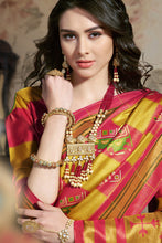 Load image into Gallery viewer, Bhelpuri Multicoloured Star Silk Printed Saree with Blouse Piece