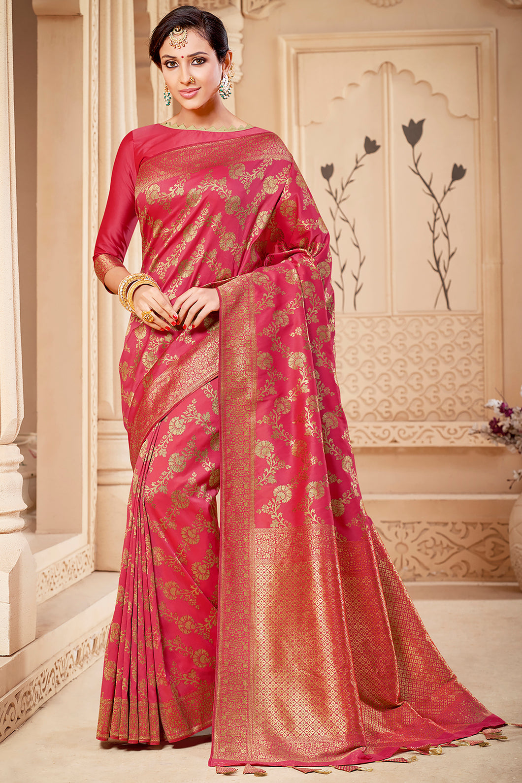 Bhelpuri Peach & Golden Banarasi Silk Woven Traditional Saree with Blouse Piece