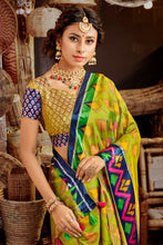 Load image into Gallery viewer, Bhelpuri Green Silk Printed Saree with Blouse Piece