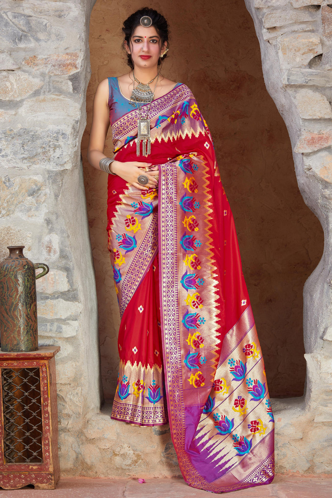 Bhelpuri Red Soft Silk Jacquard Work Traditional Saree with Blouse Piece