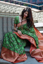 Load image into Gallery viewer, Bhelpuri Green Banarasi Patola Silk Woven Saree with Blouse Piece