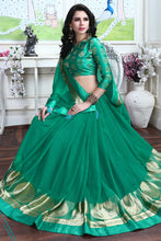 Load image into Gallery viewer, Bhelpuri Green Silk Printed Lace Border Party Wear Saree with Blouse Piece