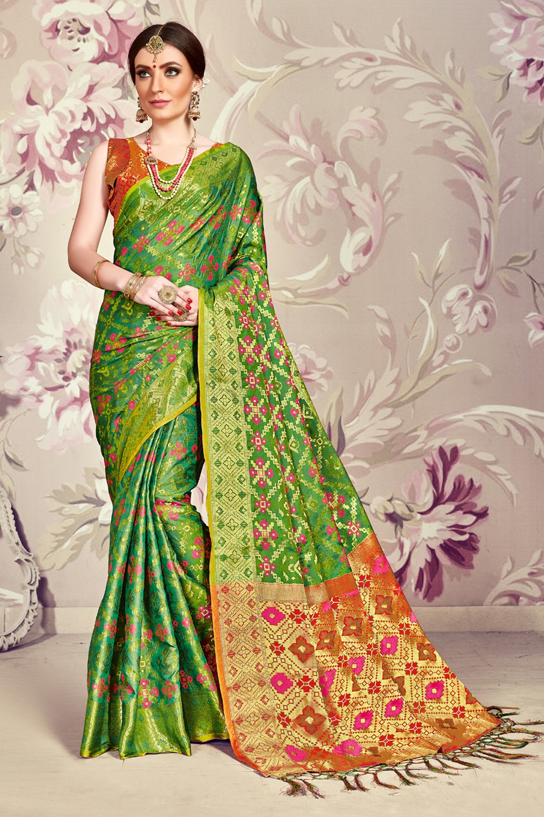 Bhelpuri Green Banarasi Silk Tassel Woven Saree with Red Banarasi Silk Blouse Piece