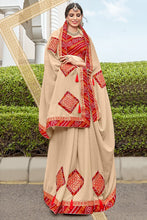 Load image into Gallery viewer, Bhelpuri Cream Georgette Lace Border Designer Party Wear Saree with Banglori Silk Blouse Piece