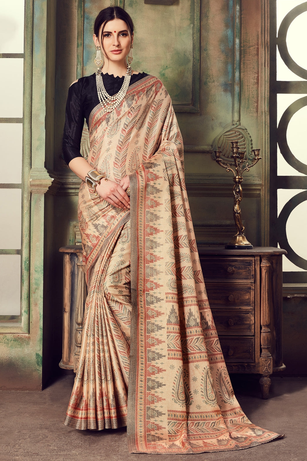 Bhelpuri Brown Manipuri Silk Printed Saree With Black Blouse