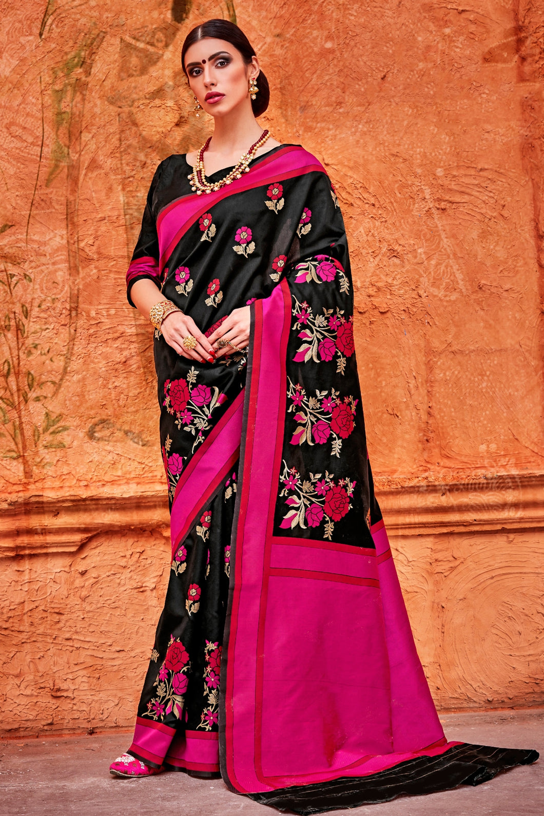 Bhelpuri Black and Pink Raw Silk Woven Saree with Blouse Piece