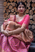 Load image into Gallery viewer, Bhelpuri Pink and Gold Banarasi Silk Woven Saree with Blouse Piece