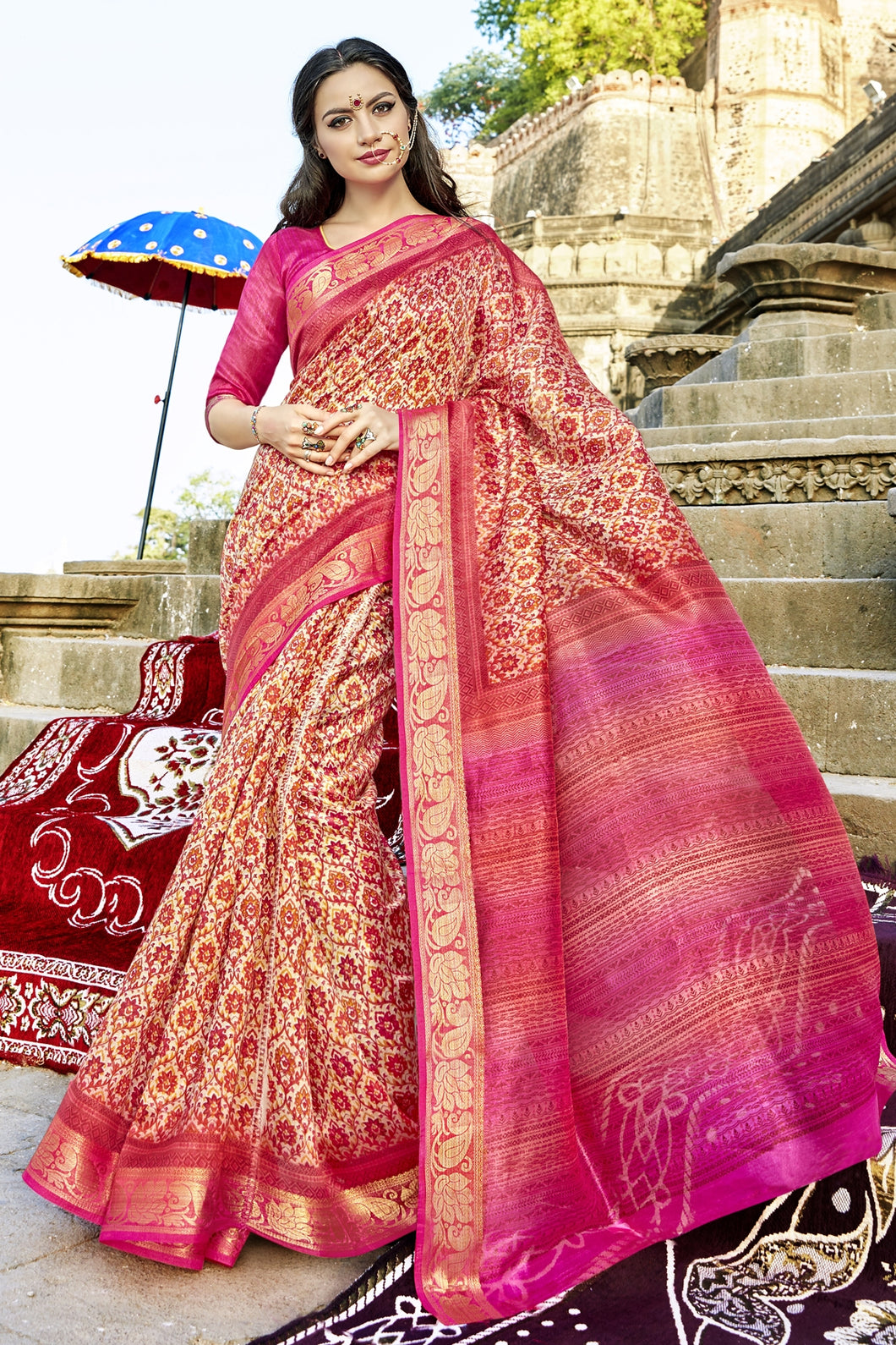 Bhelpuri Cream and Pink Polyester Staple Printed Saree with Blouse Piece